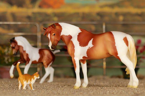 Breyer-model-horse-32711_800-min